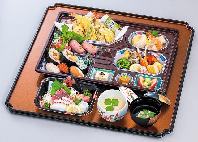 画像:会席御膳|茶碗蒸し,お吸い物付き|7,000円(税抜)